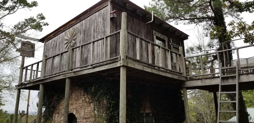 The Treehouse Cottage @ The Secret Bed & Breakfast