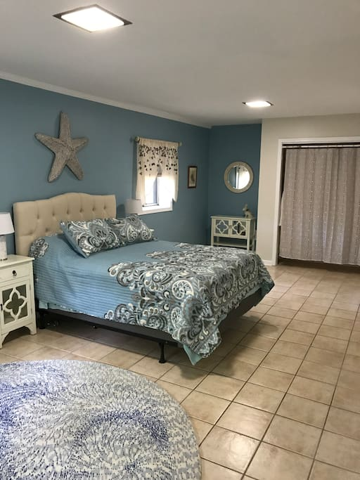 Main living space w/ Queen sized bed