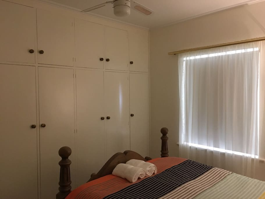 Ceiling height wardrobes