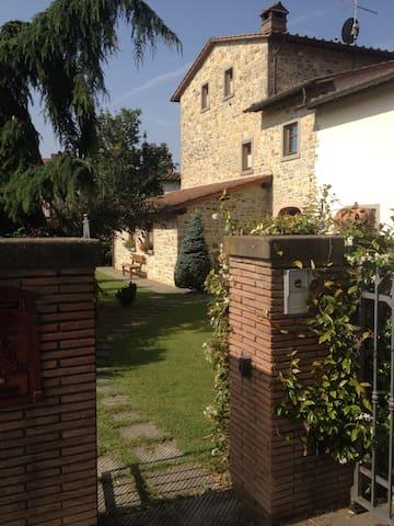 Grazioso appartamento in cascinale toscano - Soci - Apartemen