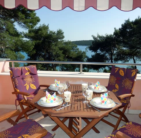 ARTATORE S - apartment with Sea view, privat beach - Mali Lošinj - Daire