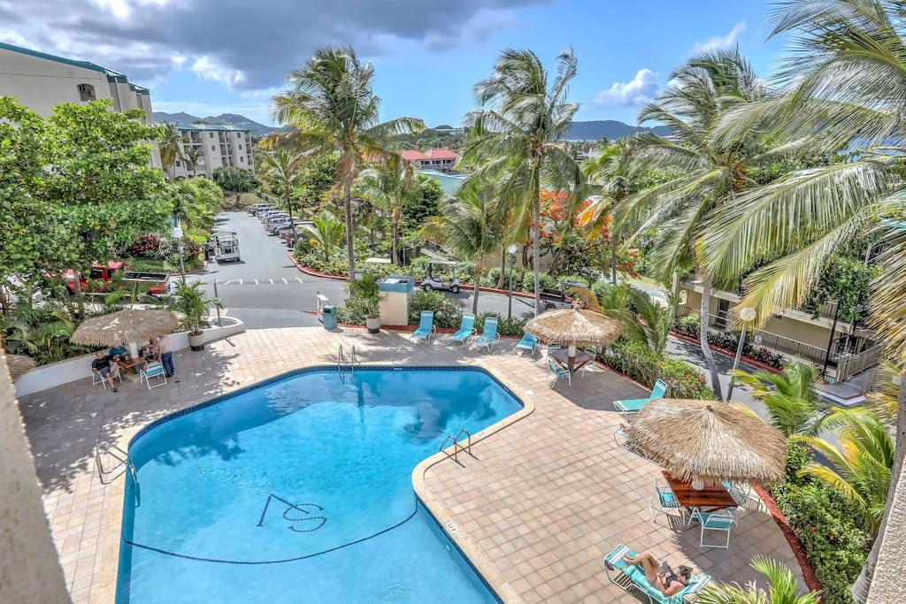 'Sapphire Breeze', an intimate, luxury studio in the Sapphire Village Condominiums complex, is the perfect nest for your St. Thomas vacation, with breathtaking views of Pillsbury Sound, St. John and the British Virgin Islands!