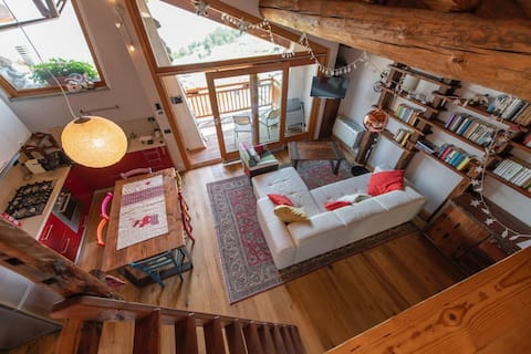 Charming cozy cabin with amazing view