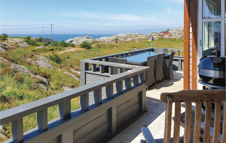 Holiday cottage with 3 bedrooms on 75m² in Skudeneshavn
