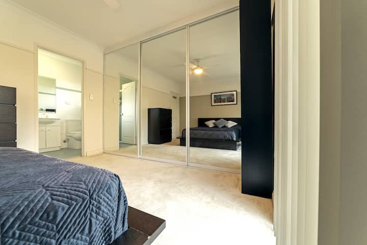 Master Bedroom with En-suite,  & park view
