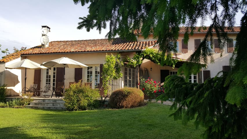 Le Tilleul with large private pool - Saint-Quentin-de-Chalais - House