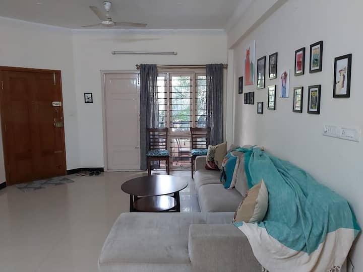 Spacious 1BR-off 100ft rd.Indiranagar-wit balcony