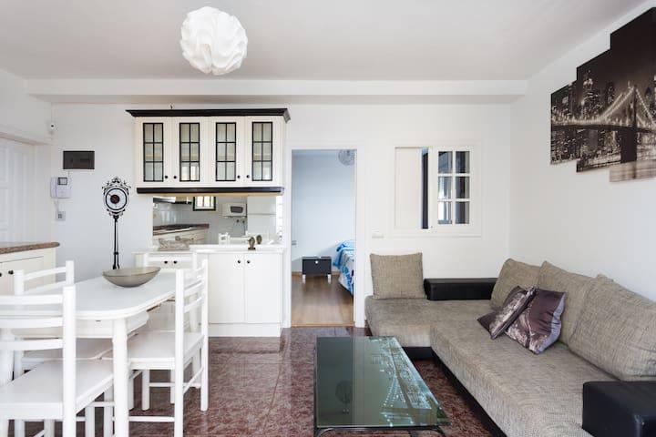 Ático con impresionantes vistas - Candelaria - Apartament