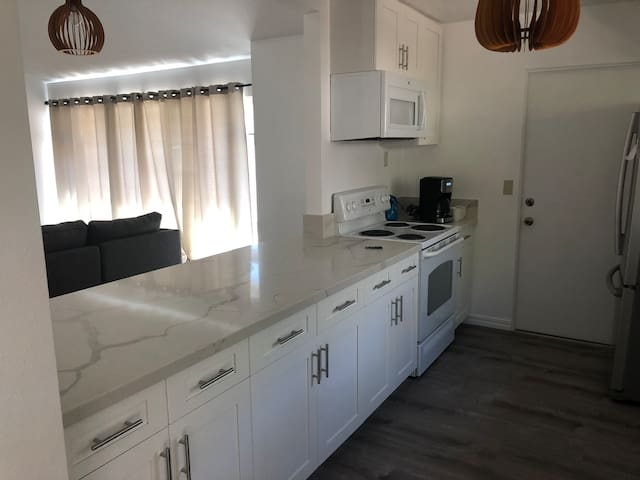 Two twin beds, quiet location, and convenient!