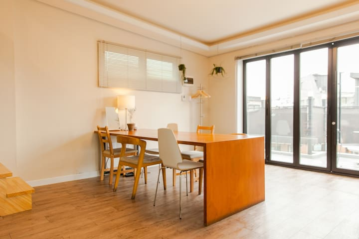 YIL Studio, 3 beds with nice terrace