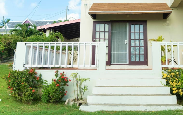 Seabreeze View: Pure relaxation near the sea