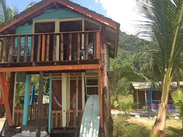 Pondok Tioman ( Bamboo Chalet )