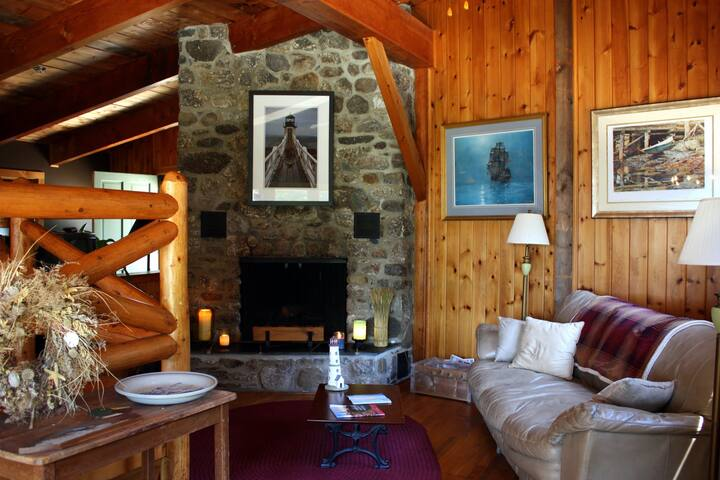 The Seashell Room - Bluff House Inn