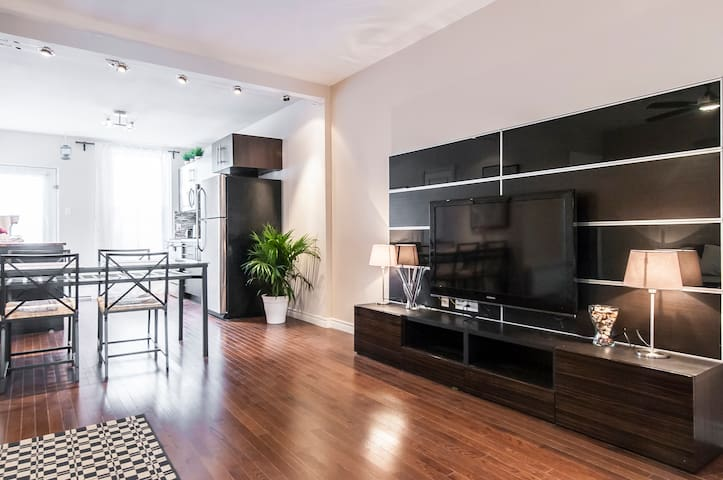Shiny New 5 star Apartment