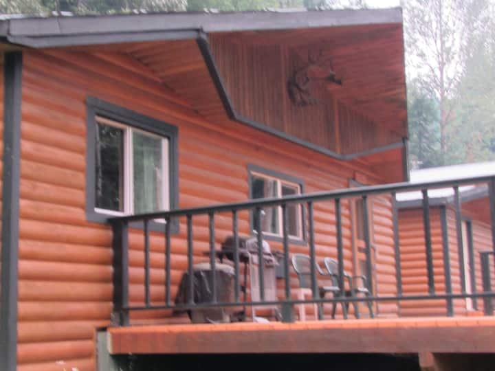 The Loon Cabin - Big Deck & view of Quesnel Lake