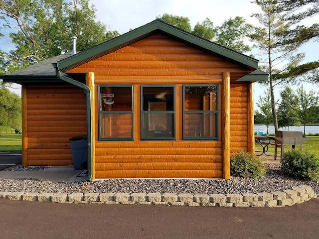 2 BR Butternut Lake Cabin on ATV/Snowmobile Trails