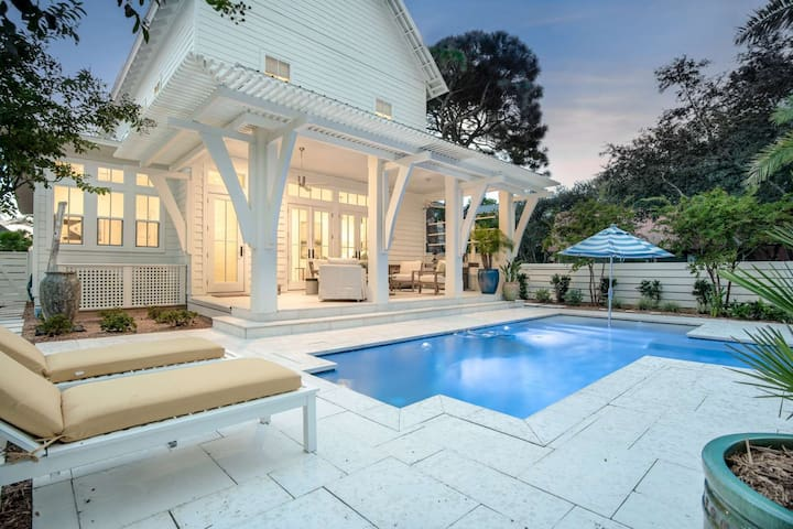Brand New Luxury Grayton Beach Home-Private Pool-Large Screened in Porch-Short Walk to Beach Access