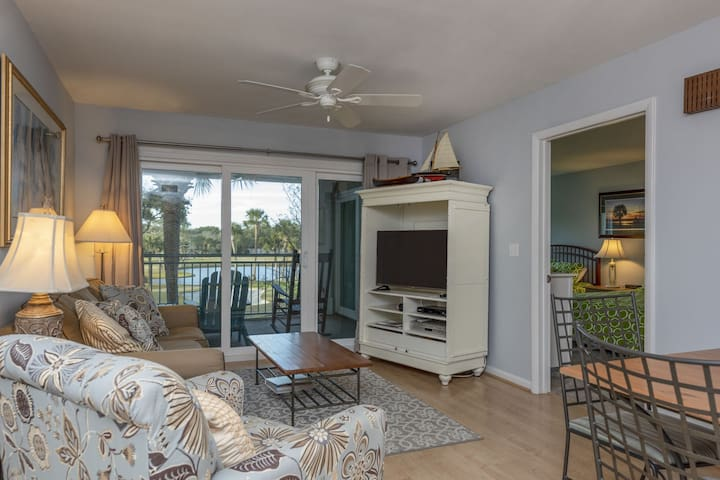 Golf View Atrium! Great Location Across from Ocean, Pools, Golf!