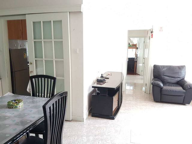 Big and cozy apartment,Taikoo Shing