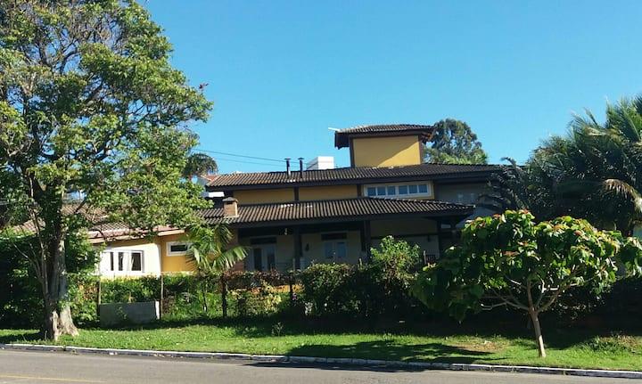 Casa em condomínio em Sousas - Campinas