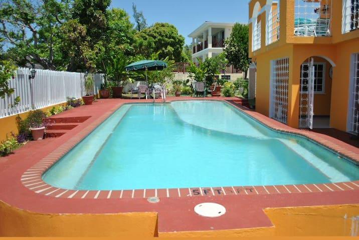LA HACIENDA Silver Sands, Jamaica - Duncans - Willa