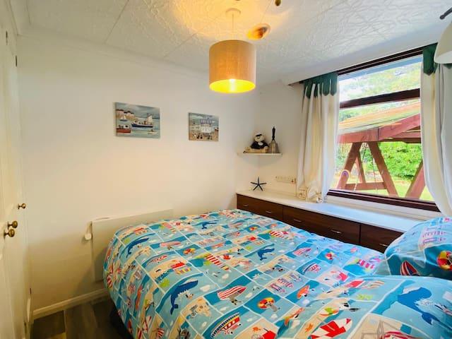 Children's bedroom- 4ft double bed