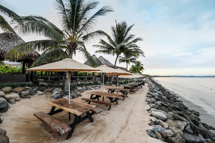 Denarau Island Fiji beachfront resort 2br condo