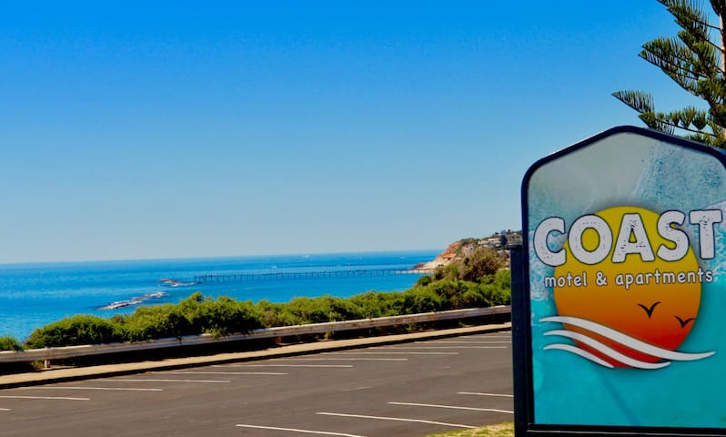 COAST Motel and Apartments - Port Noarlunga South - Serviced apartment