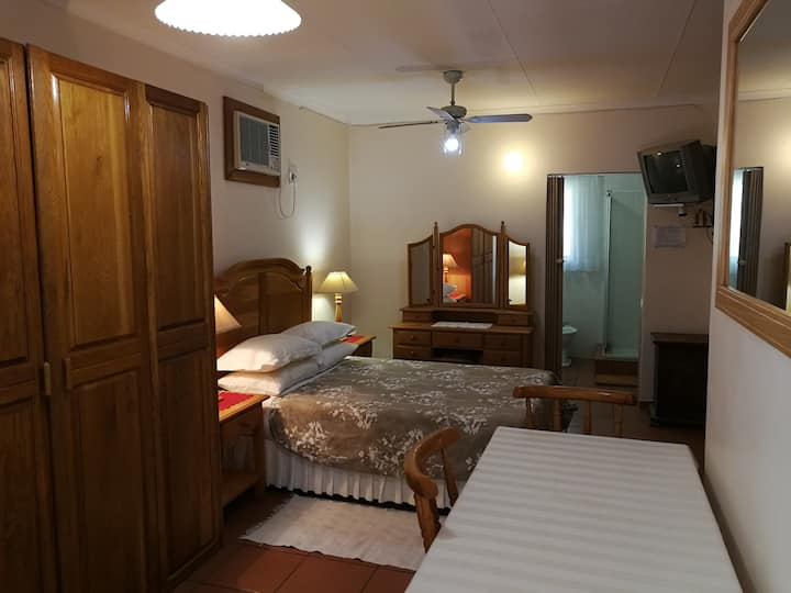 Robin's Rest 4, Affordable self-catering