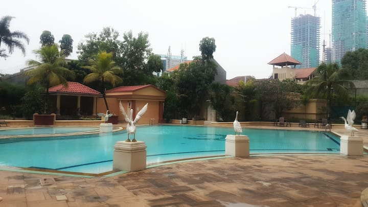 Great location and facilities in upscale area
