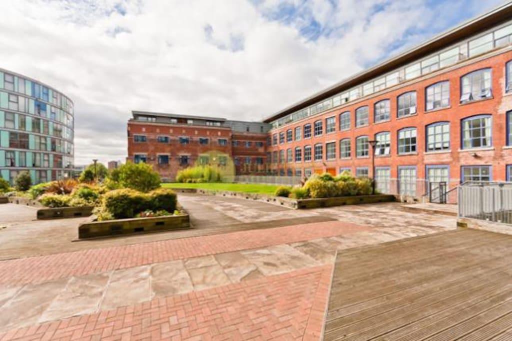City Centre Bright & Stylish Duplex Penthouse Apt. - Flats ...