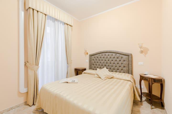 Via Veneto suite 107