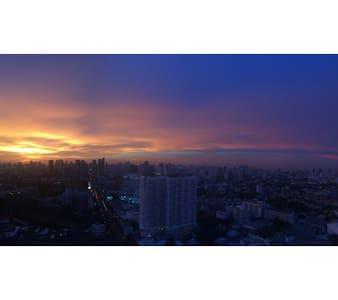 Sky View NiceCondo right@BTSstation - Bangkok - Apartment