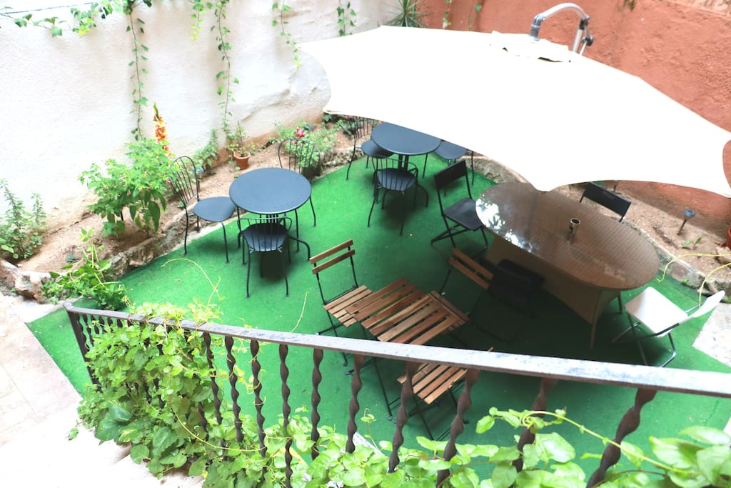 Nice private room in heart of barcelona for 4 pers bed - Casa barcelo hostel ...