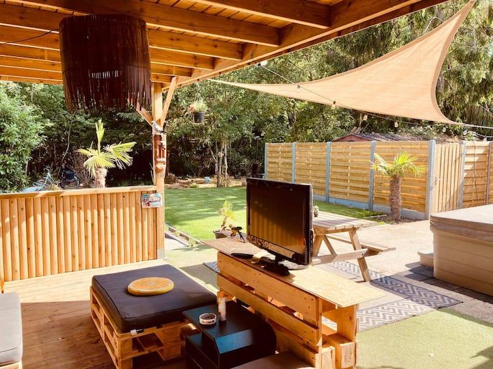 o°O°°HappyBubble°°O°o  Jacuzzi, Pool, sunny Lounge