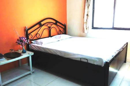 Cosy AirBnB Home Nashik free Parking & Terrace