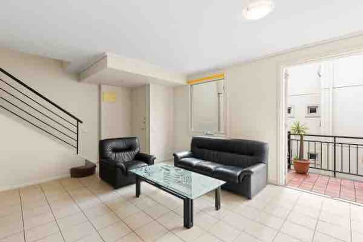 Double level town house for short lease-2