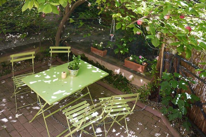 Petit appartement avec terrasse à la Petite France