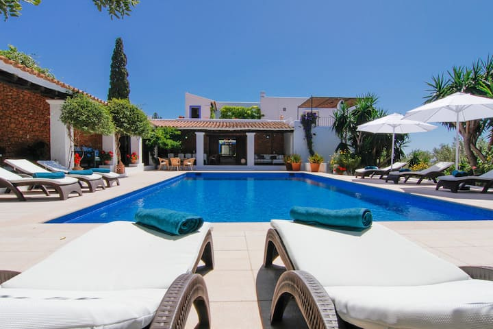 Villa close to Ibiza Town - Bab el Oued Villa
