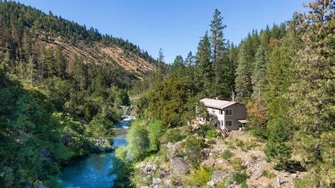 Applegate Riverside Retreat