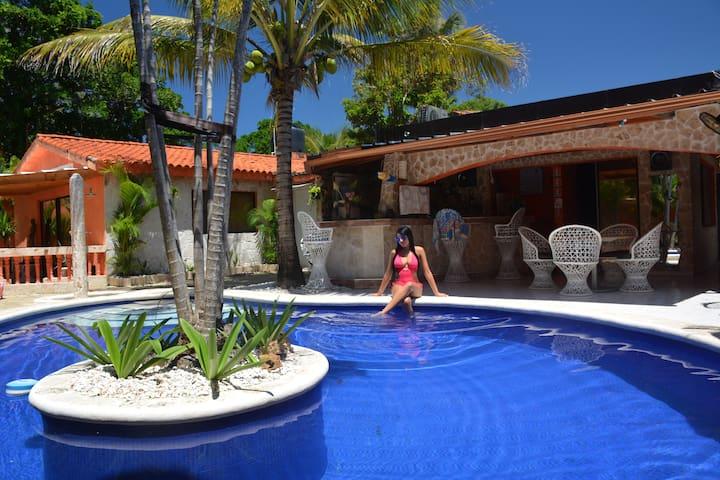Casa Bonita/Appartment 300 meter from the beach