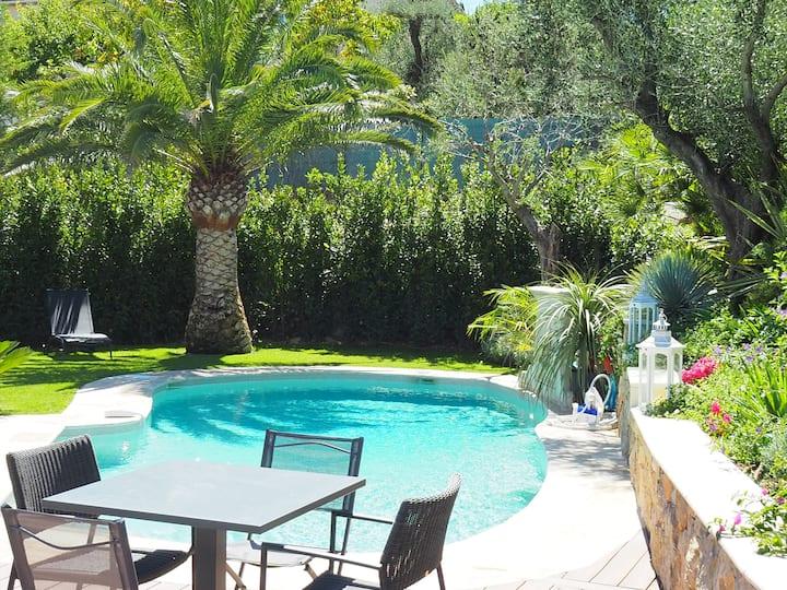 Villa avec vue magnifique, piscine chauffée,clim