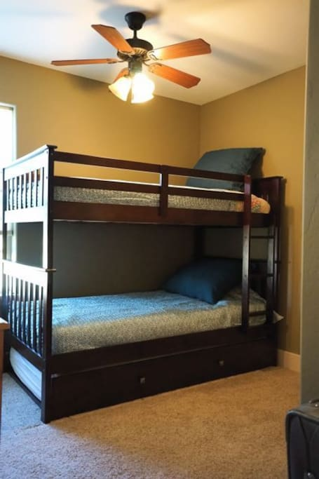 Bunk bed with trundle. 150 lb weight limit. Sleeps 3. Main level