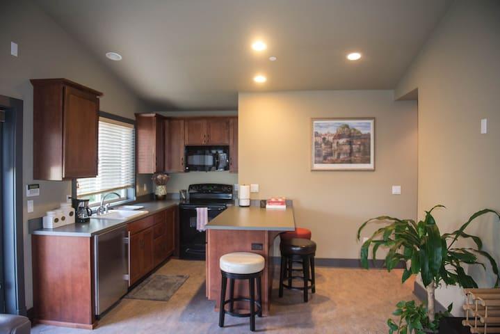 Modern west Bellevue Suite