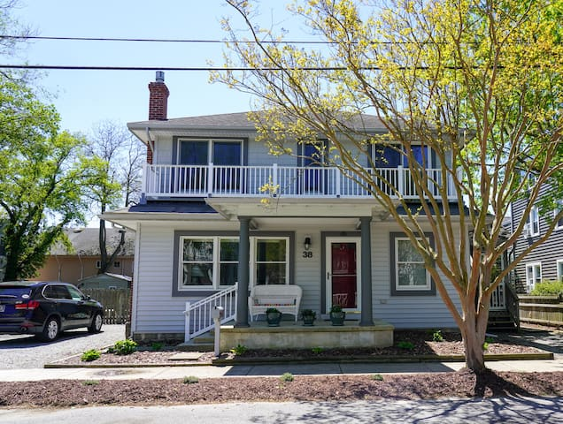 Fantastic Rehoboth House just 1 block to beach!