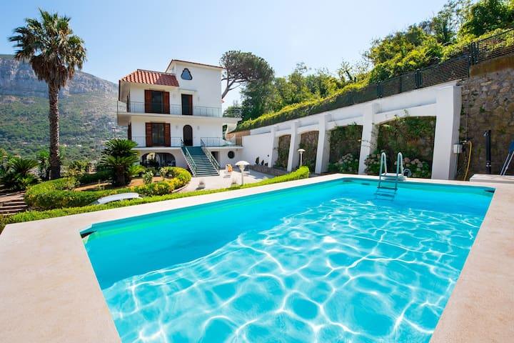 Villa Sam between Sorrento and Positano