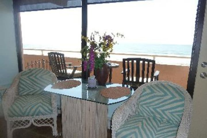 Cloud Nine at The Waves Ocean Front Dog friendly