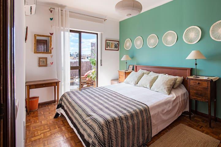 parental bedroom with 160 cm bed