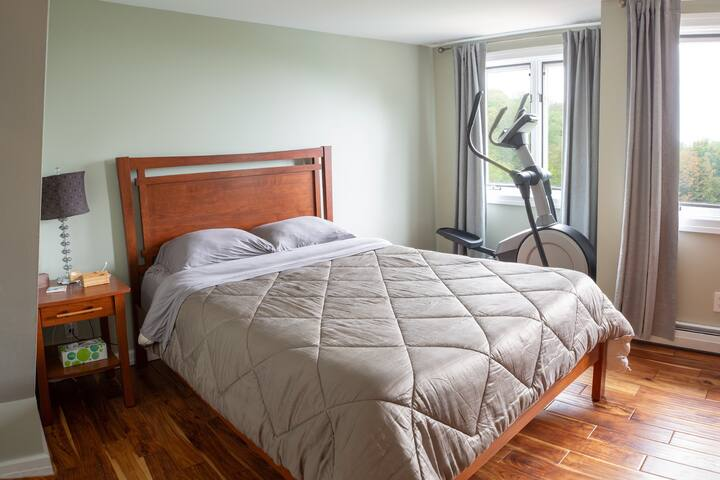 Queen Bedroom. SECOND FLOOR. Note: Exercise equipment has been removed and is unavailable for use.