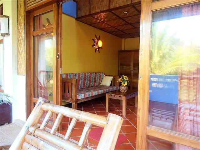 La Luna Beach Resort - 4 - Sunflower